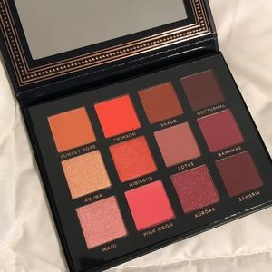 ACE BEAUTE  EYESHADOW PALETTE